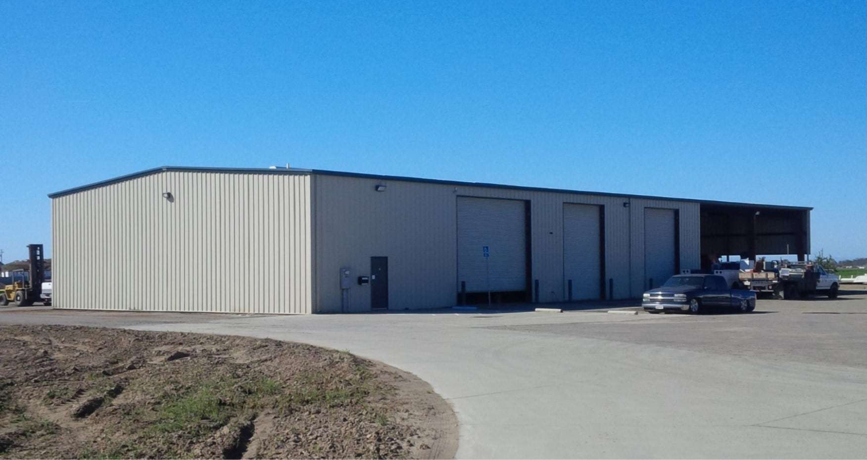 9.72 Ac. Industrial Building & Land, Hanford