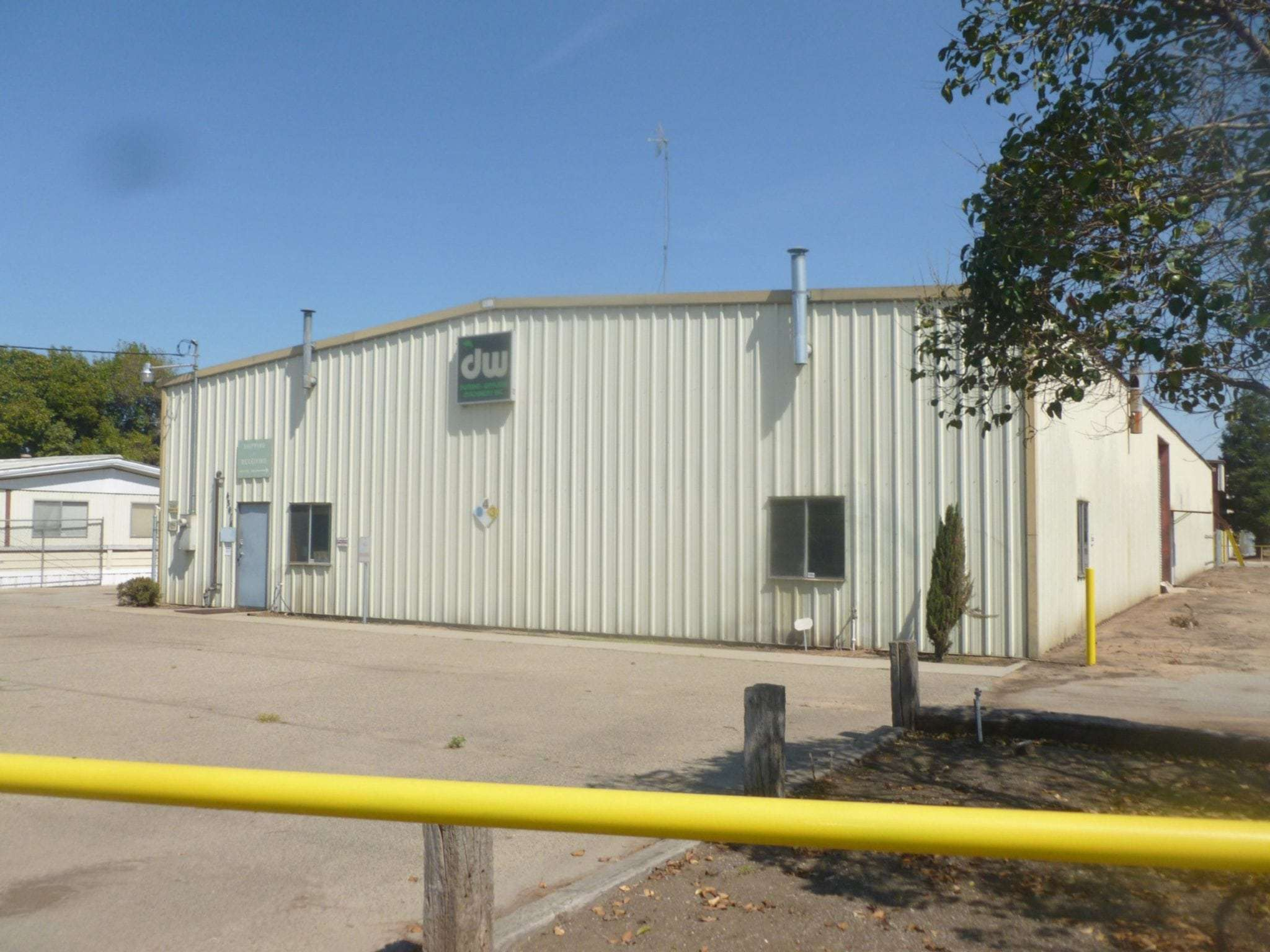 For Lease  –  6,500 Sq. Ft. Ag Industrical Bldg., Reedley