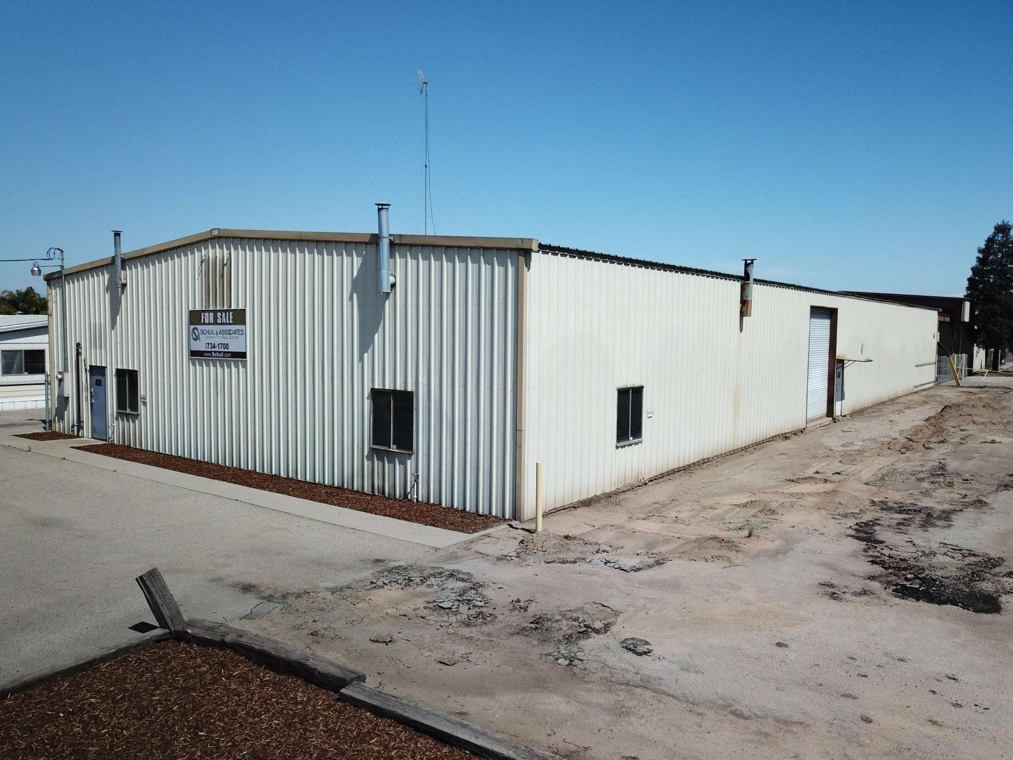 9,000 Sq. Ft. Industrial Building FOR LEASE, Reedley