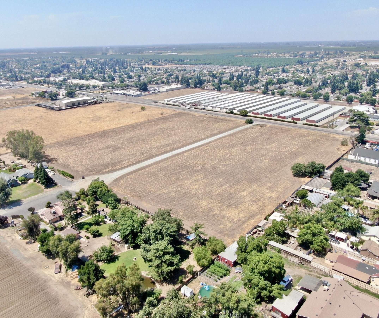9.4 Acre Commercial Property Farmersville
