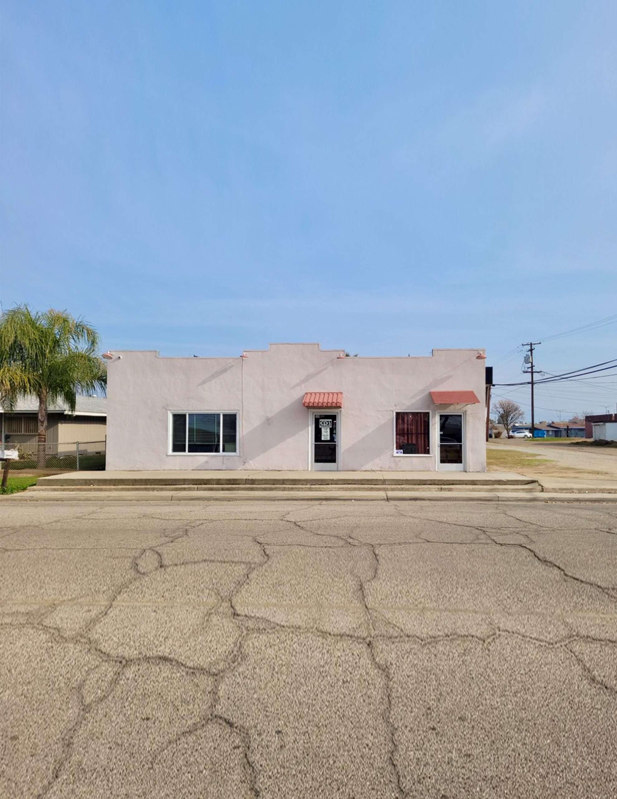 Retail / Office Building – Orange Cove, CA