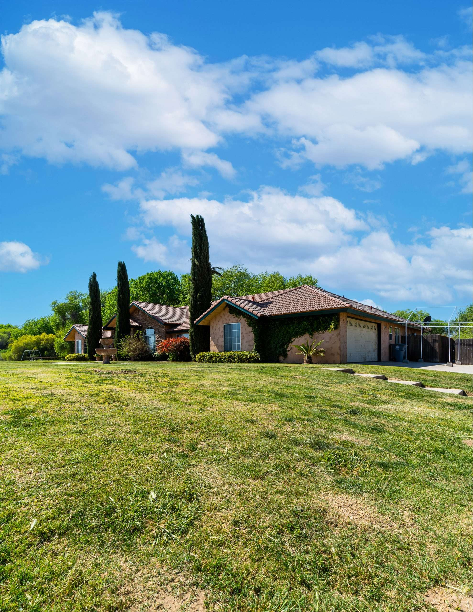 +/-60 Acre Horse Ranch and Custom Home – Lemoore, CA