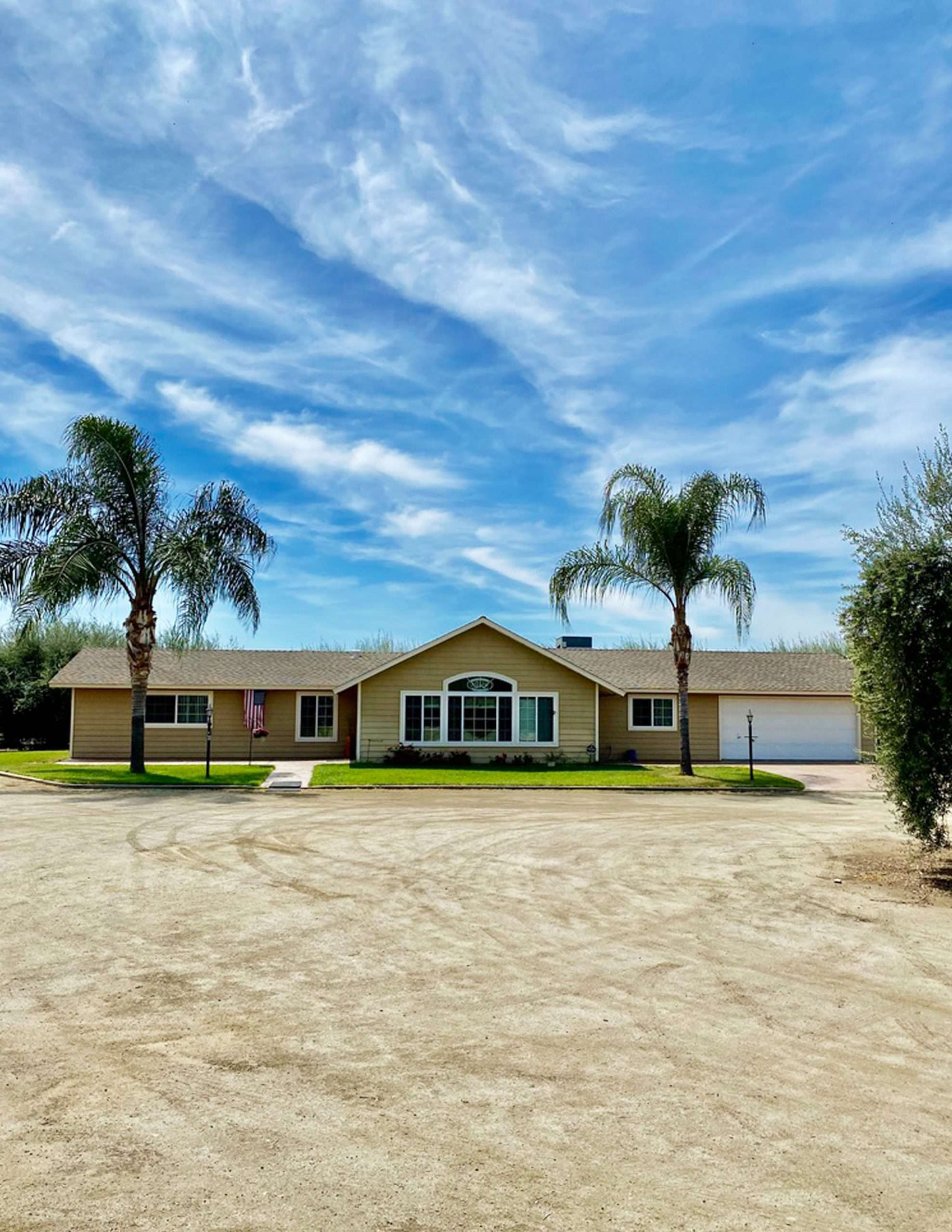 +/-10 Acres – Olives and Home – Lindsay, CA