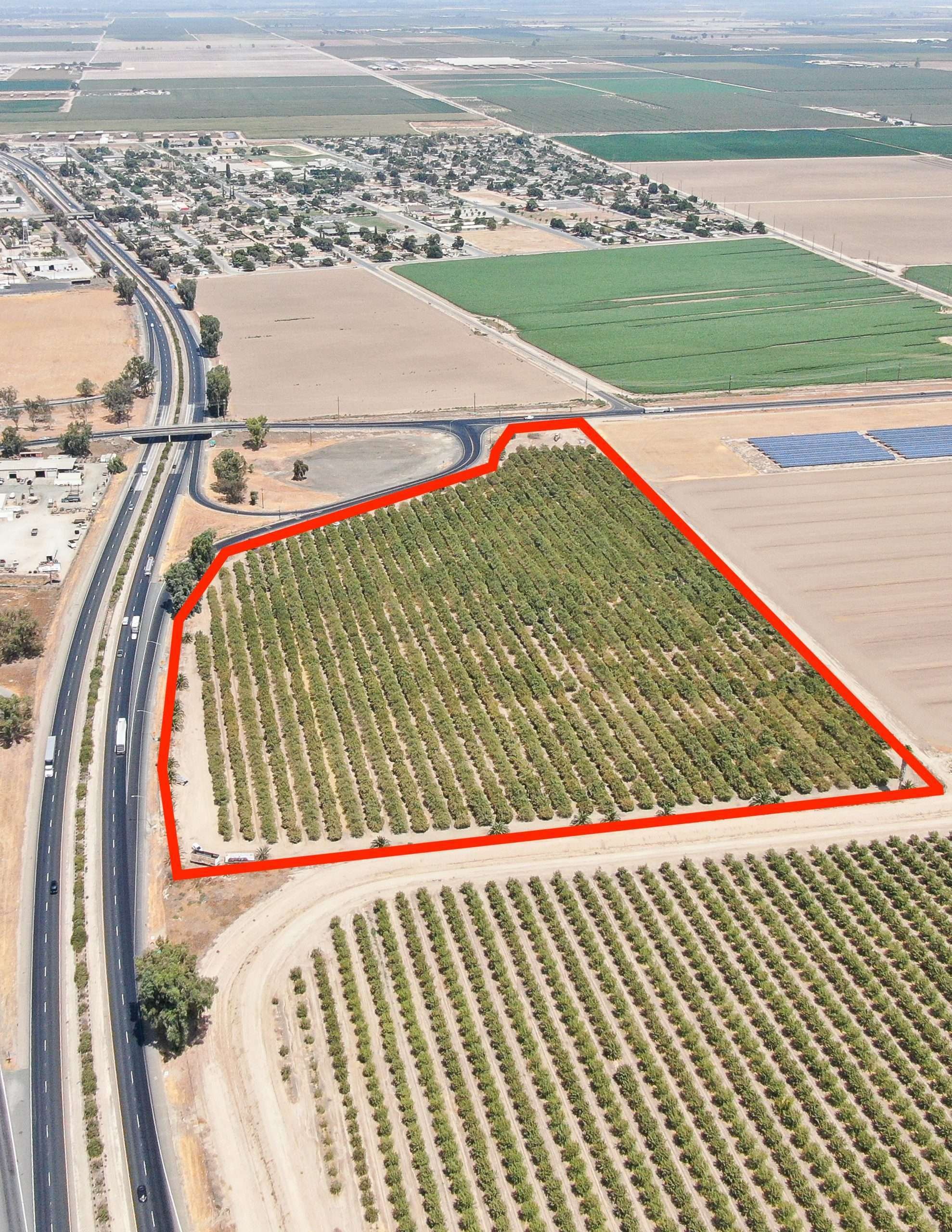 +/-19.2 Acres – Almonds & Freeway Frontage – Tipton, CA